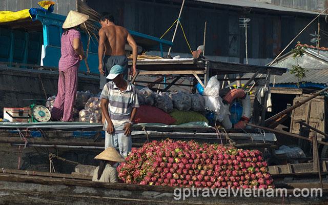VECS04: Mekong Delta & Boat to Phnom Penh – 3 days