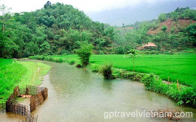 VECN08: Stunning Mai Chau & Pu Luong – 4 days