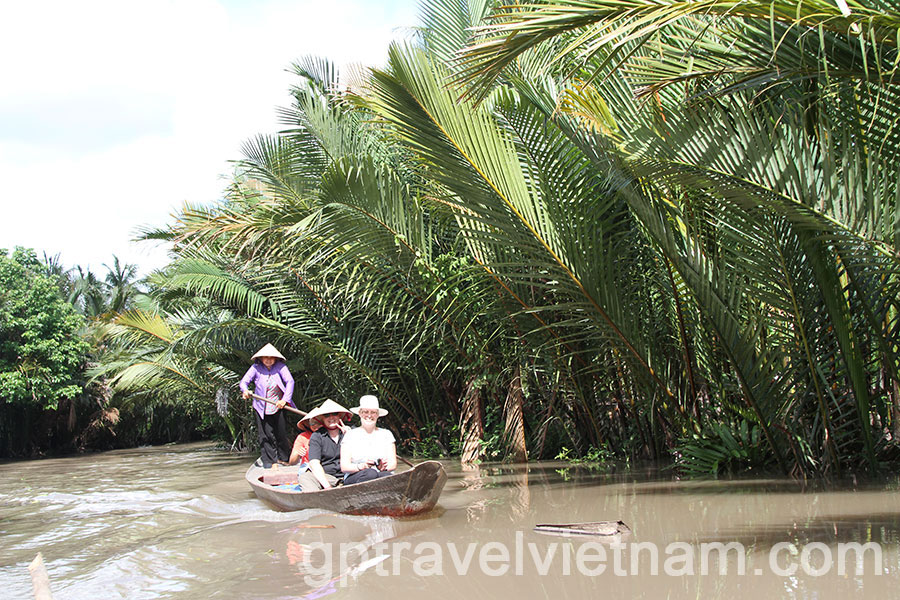 ho chi minh city single personals Ho chi minh city (vietnamese: thành the région of saïgon–cholon became a single city called saïgon following the merger of the two cities dating from.